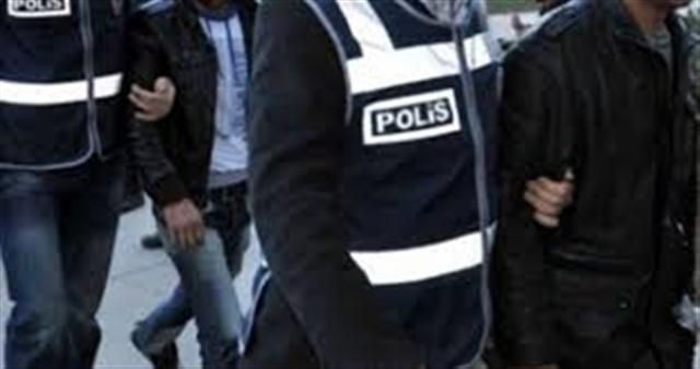 Şanlıurfa'da aranan hırsızlık zanlıları Kilis'te yakalandı