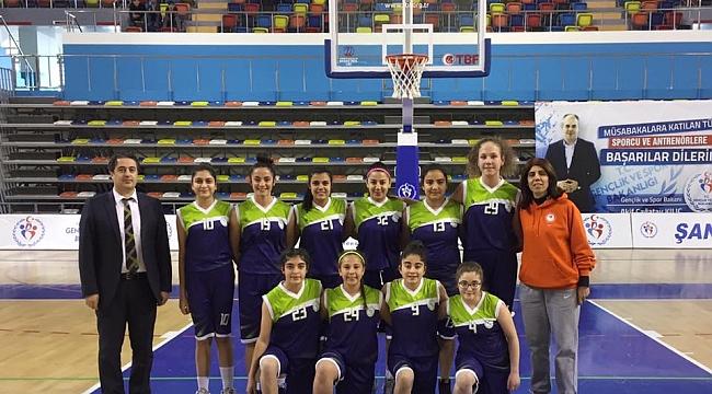 DSİ Bayan Basketbol Takımı takdir topluyor