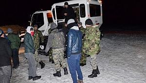 Karacadağ'da mahsur kalan 700 kişi kurtarıldı