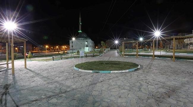Haliliye'de parklar artık daha aydınlık