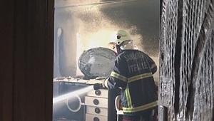 Ateşle oynayan çocuklar evi yaktı