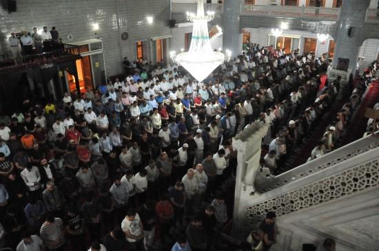 Peygamberler Şehri'nde teravih coşkusu