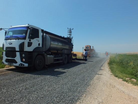 Karaköprü kırsalında yoğun asfalt çalışması