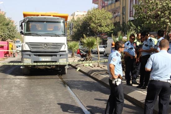 Hafriyat kamyonu faciası: 1 ölü, 2 yaralı