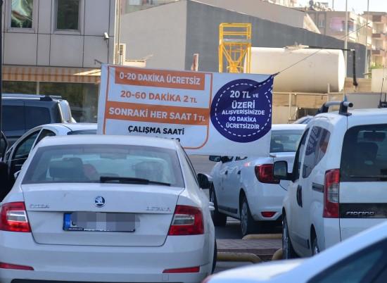 Şanlıurfa'da ücretli AVM otoparkına tepki