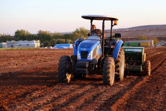 Çiftçileri tohum ekme telaşı sardı