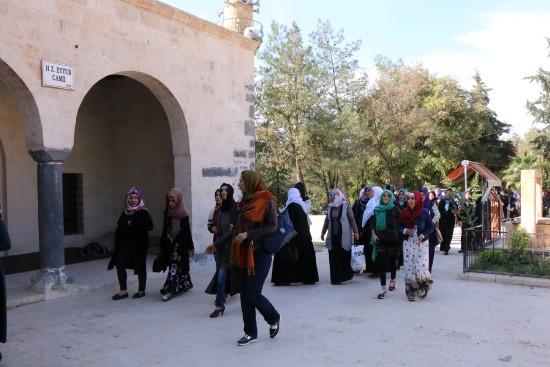 Kursiyer Kadınlar Eyüp Nebi makamını ziyaret etti.