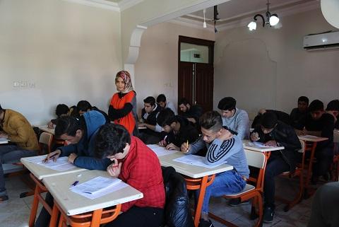 Eyyübiye Belediyesi öğrencileri sınava hazırlıyor