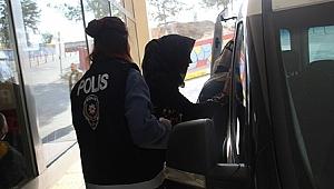 Yankesici kadınlar polise yakalandı