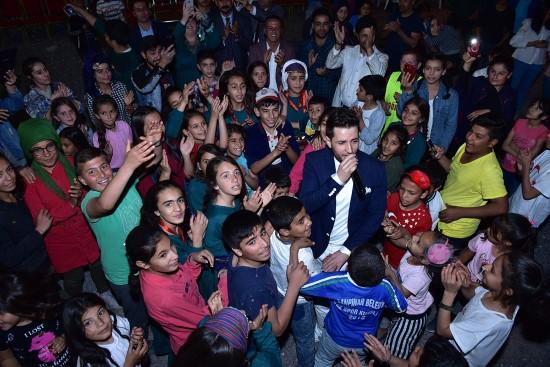 Pop şarkıcısı Yasin Uçar şarkılarını Mehmetçiğe ithaf etti