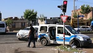 Şanlıurfa'da trafik kazası: 2 polis, 1 uzman çavuş yaralı