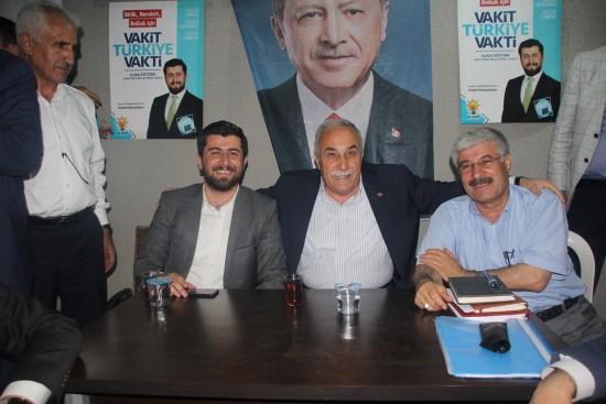 Ertürk'ün seçim bürosunun açılışı mitinge dönüştü