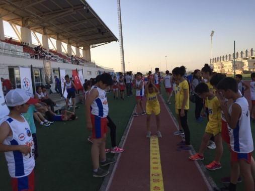 15 farklı grupta 4. bayrak yarışı düzenlendi