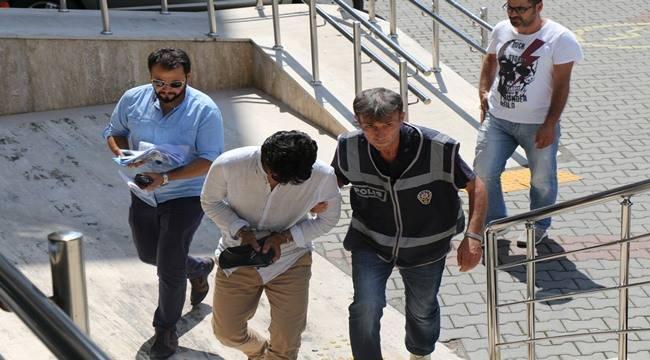 Kendini polis ve savcı diye tanıtan dolandırıcılar yakalandı