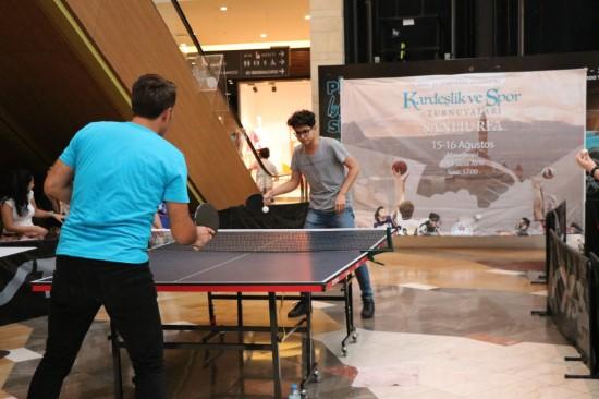 Piazza, Masa Tenisi Turnuvası'na ev sahipliği yaptı