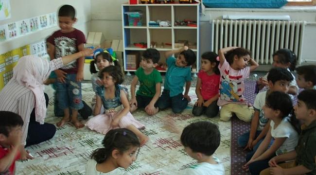 Suriye'li çocuklara Türkçe kursu