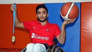 Engelli basketbolcunun büyük başarısı