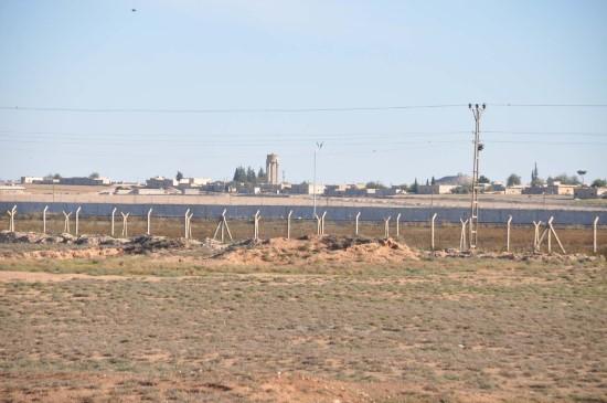 Bakan Soylu'nun sınırı ziyareti sırasında silah sesleri duyuldu