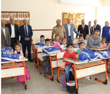 Bozova Belediyesinden öğrencilere destek