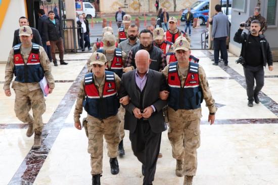 Muhtar ile 1 aza serbest bırakıldı, 2 aza ise tutuklandı