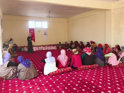 Kadınlara hijyen ve sağlık eğitimi