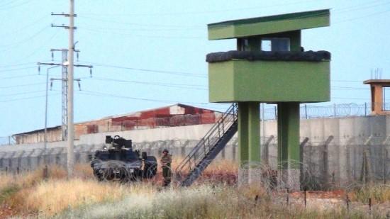 Ateş açan PKK'lılardan biri öldürüldü