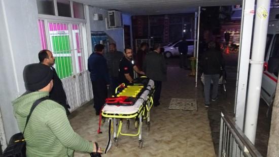 İşçileri taşıyan araç devrildi: 3 yaralı
