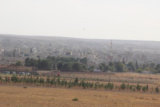 Kobani sınırındaki silolar yıkıldı