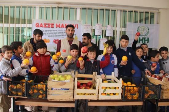 Minik öğrencilerden Gazze'ye yardım