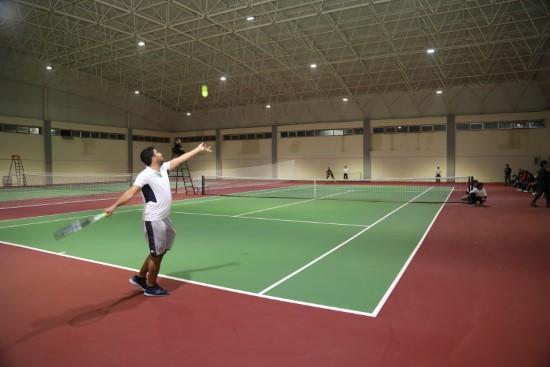Öğretmenler için tenis turnuvası