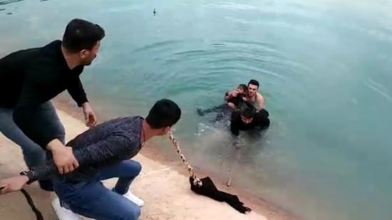 Sulama kanalına düşen 2 çocuğu vatandaşlar kurtardı