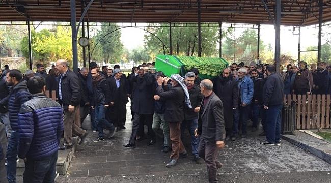 Doç. Dr. İdris Kırhan Ninesini kaybetti
