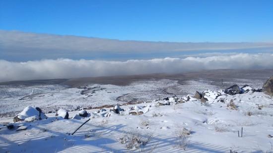 Karacadağ'da yılın ilk karı yağdı