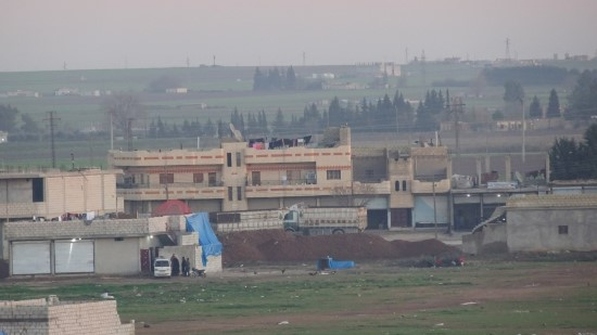 PYD/YPG'nin kontrolündeki Rasulayn'da mevzi kazıldı