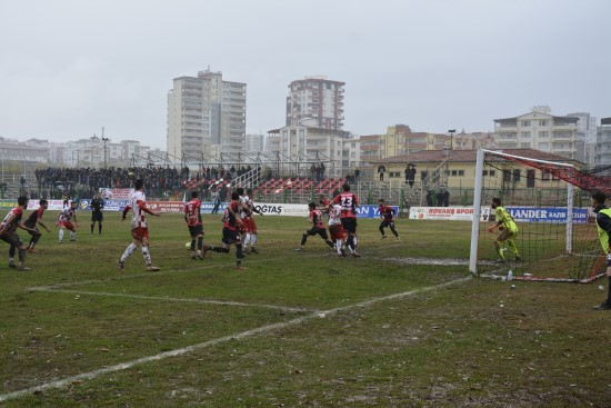 Siverek Belediyespor, lideri 3-1 mağlup etti