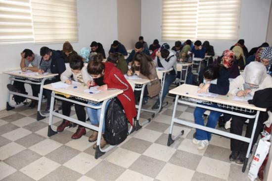 Bilgi evi öğrencileri eğitim kampında