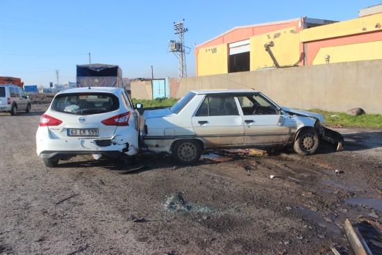 Buzlanan yolda zincirleme kaza