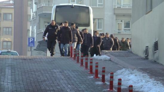 FETÖ'nün asker yapılanmasından 14 kişi adliyeye çıkarıldı