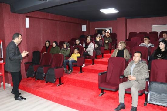 Karaköprü'de girişimcilik eğitimi veriliyor