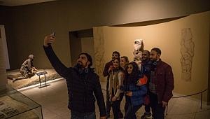 Şanlıurfa Müze Kompleksi'nde öz çekim günü