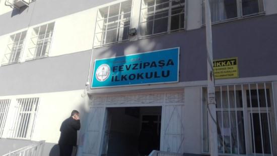 Terör örgütü propagandası yapan öğretmen gözaltına alındı