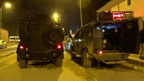 Teröristler yılbaşı gecesini bahane ederek silah sıktı