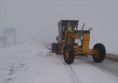Viranşehir'de karla mücadele çalışmaları