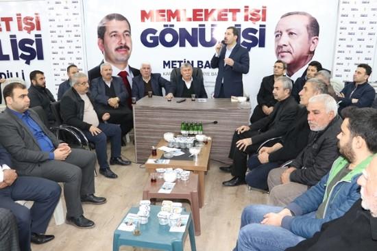 Baydilli seçim bürosunda vatandaşları ağırlıyor (video)