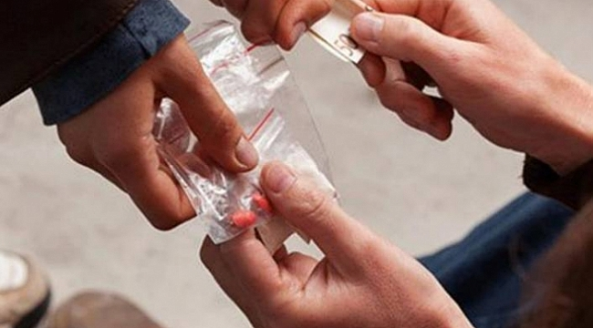 Gençlerin uyuşturucudan uzak tutulmalı