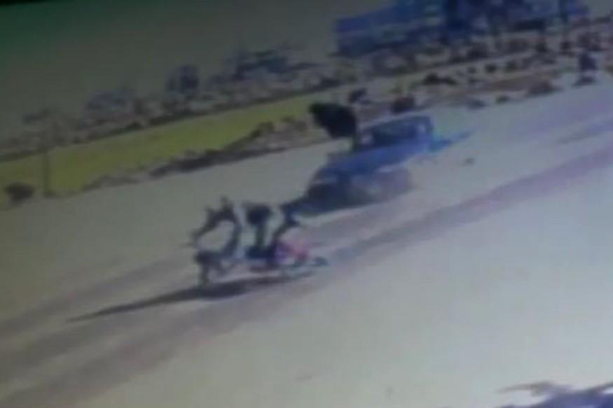 Motosikletin metrelerce sürüklendiği kaza kameralara yansıdı