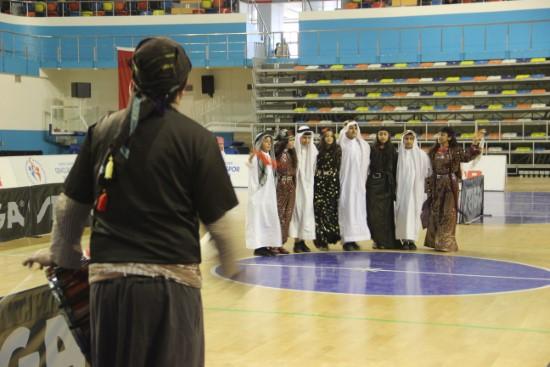 Öğrencilerin folklor gösterileri renkli görüntülere sahne oldu