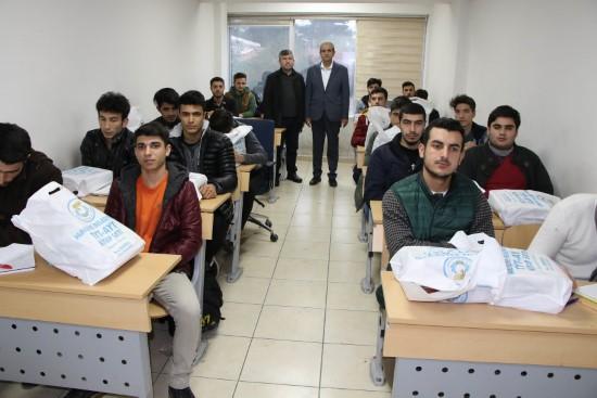 Üniversiteye hazırlanan öğrencilere eğitim seti