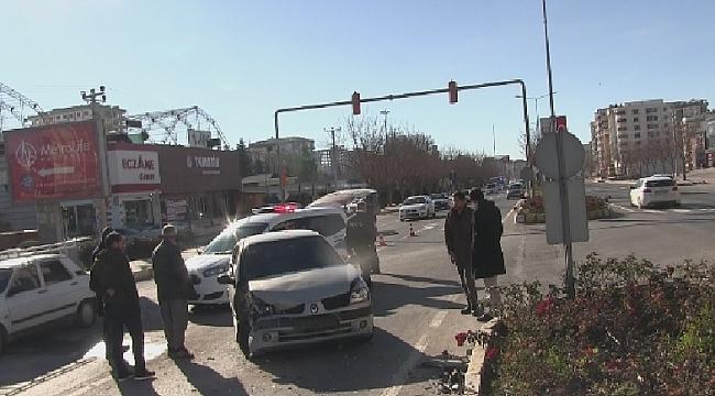 Urfa-Diyarbakır yolunda kaza; 1 yaralı
