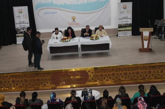 Beyazgül: Kadınlar şehrimizi konuşuyor paneline katıldı